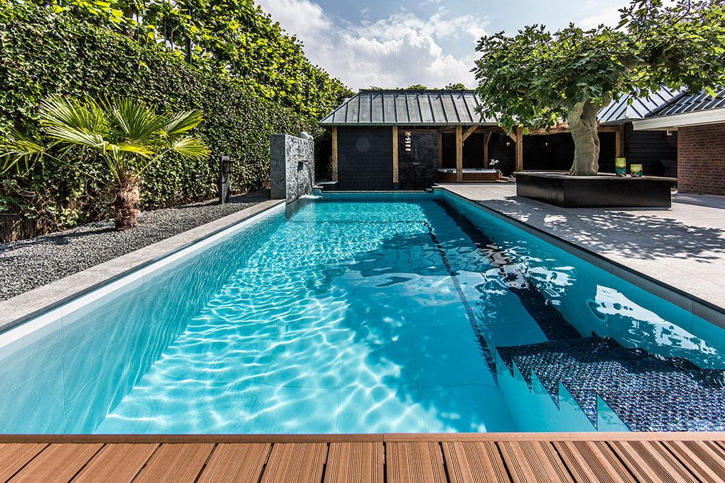 Acheter sa piscine et ses accessoires en ligne jardins for Acheter liner piscine